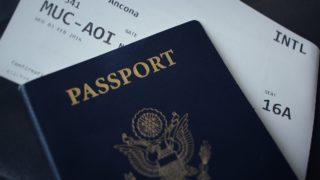 海外ではパスポートは実物を持ち歩くべき?それともコピー?