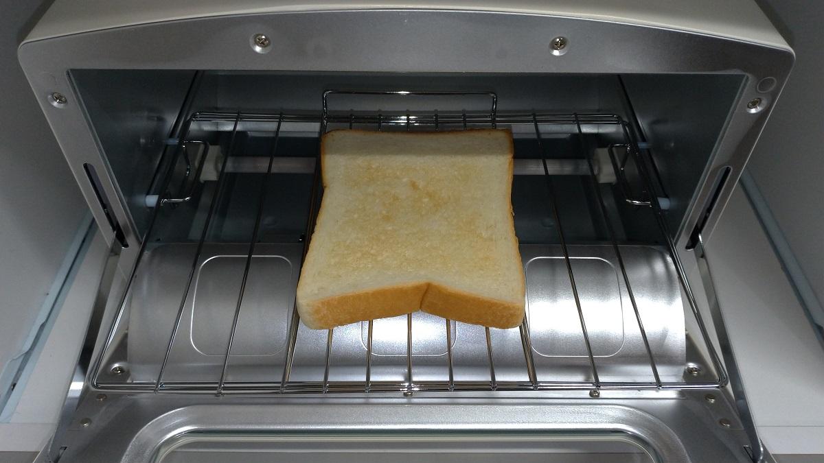 【レビュー】1分半でトーストが焼けるアラジンのトースターは時短に最適